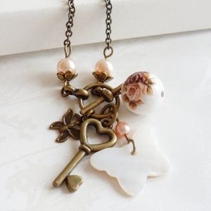 Image of Vintage Style Memento Necklace