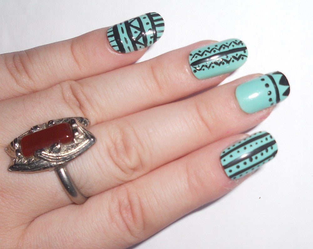 bekka likes birds — AZTEC NAILS!!!
