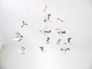 Image of kamom mobile (two or three seagulls)
