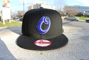 "Image of NEW ERA SNAPBACK ""O"" LOGO BLACK FRIDAY !"