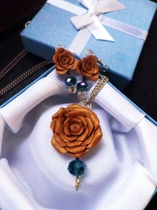 Image of Gold Rose Necklace <br> & Earrings Set