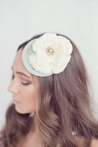 Image of Lovely vintage brooch bridal hat