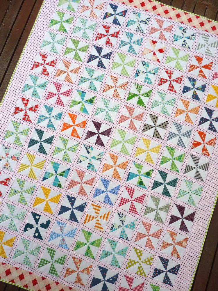 Free Quilt Block Patterns Pinwheel : Pinwheels on Parade Quilt Pattern (pdf file) / Red Pepper Quilts