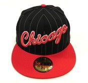 "Image of CHICAGO BULLS ""PIN SCRIPT"" NEW ERA FITTED"