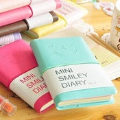 Image of Carnet &quot;Mini Smiley Diary&quot; ver. 2