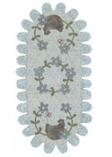 Image of The Hen's Nest Tablerunner DL pattern