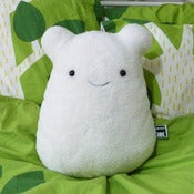 Image of White Cavey Pillow