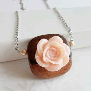Image of Serenity Necklace (peach)