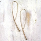Image of simple gold hook earring m/l