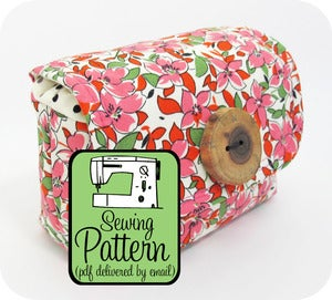 Image of Padded Camera Pouch PDF Sewing Pattern