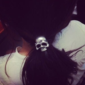 Image of Metal Skull Hair Tie