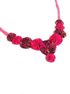 Image of Fuchsia Gold Rosette Necklace