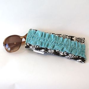 Image of sunnies case - chocolate damask