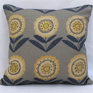 Image of Big Daisy Scatter Cushion - Made to Order