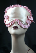 "Image of Sleep mask ""MYLENE"" in cream satin with pink trim and bows"