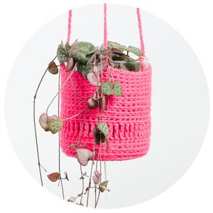 Image of Crochet Planter (pink with pompom)
