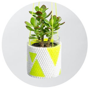 Image of Woven Bead Planter (white with yellow triangles)