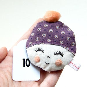 Image of Little girls - brooche No.10