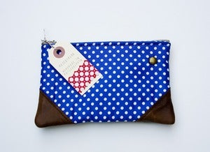 Image of -S O L D- a small royal+white small polka dot print zipper purse w leather corners + METAL zipper