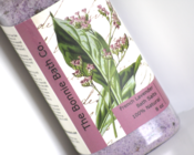 Image of French Lavender Aromatherapy Bath Salts With Lavender Buds