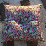Image of ELYSIAN square buttoned cushion