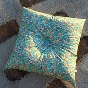 Image of BETSY (GREEN) square buttoned cushion