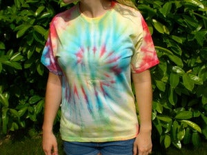 Image of Medium Multicolour Hippy Tie Dye T-shirt (Free peace badge)