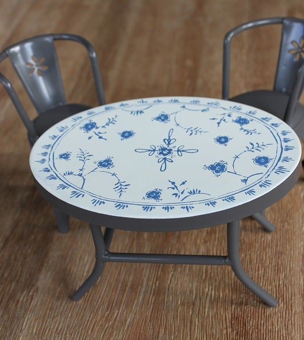 Image of Vintage Style Metal Cafe Table + 2 Chairs