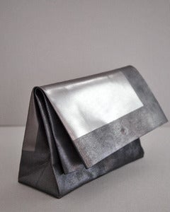 Image of SACO DE PAPEL GRANDE /+ graphite square