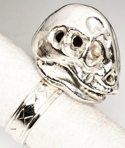 Image of Oviraptorosaur Skull - White Bronze Ring