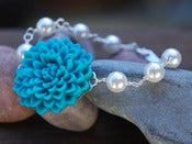 Image of Turquoise Chrysanthemum and Swarovski Pearl Beaded Bracelet - BF010