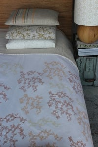 Image of hive egyptian cotton quilt cover