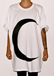 Image of MAXI TEE &quot;MOON&quot; WHITE/BLACK