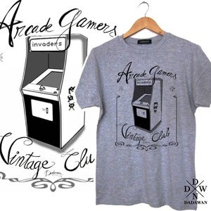 Image of T-shirt Arcade Gamers Vintage Club by Dadawan