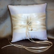 Image of XOXO ring bearer pillow