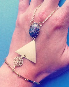 Image of Hera - Triangle Hand Chain