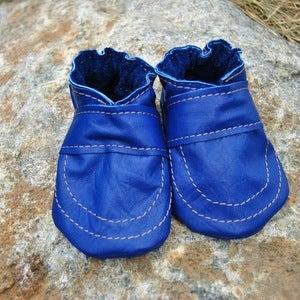 Image of Love In Everything Baby Booties