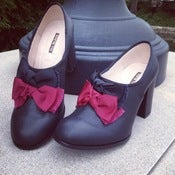 Image of ootra LOVES shoes with bows..