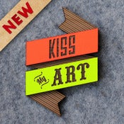 Image of Kiss My Art Brooch