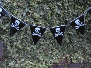 Image of Black Pirate Skull Flag Banner