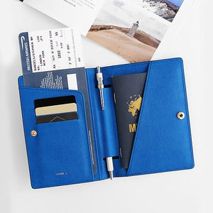 Image of invite.L Passport Case