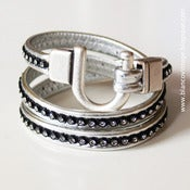 Image of PULSERA DE CUERO CON STRASS