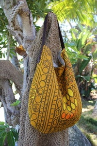 Image of vintage garden linen slouch bag