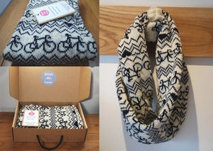 Image of Bike Twist Snood - Cream and Navy
