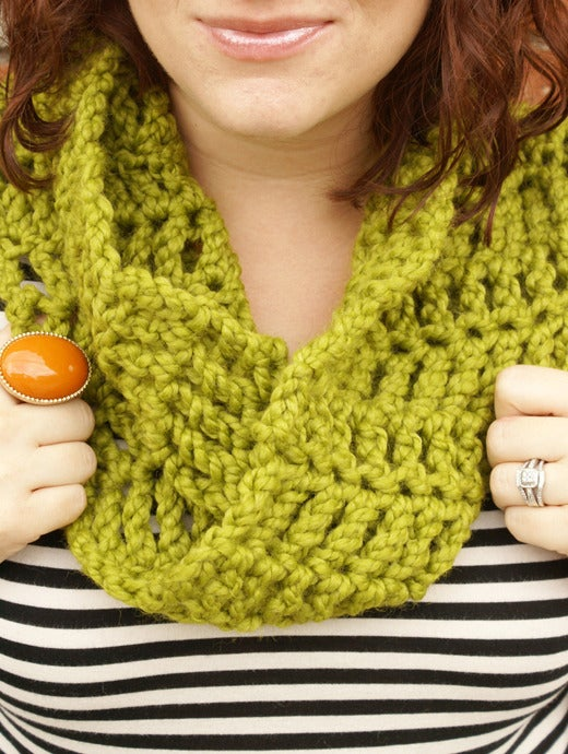 Image of Moss Envy, crocheted infinity cowl
