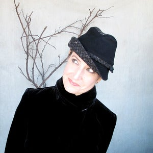Image of Fedora Courant in black &amp; black tweed
