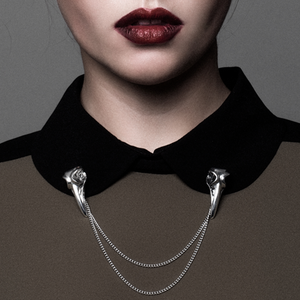 Image of Freya. Silver Raven Collar Chain