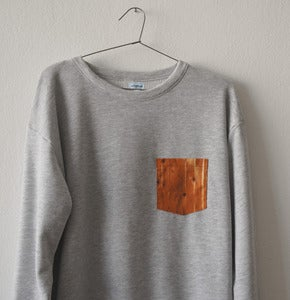 Image of WOOD POCKET GREY SWEATSHIRT