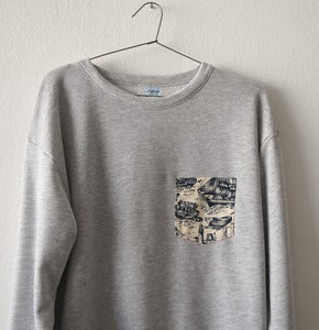 Image of OLD SCHOOL POCKET GREY SWEATSHIRT