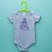 Image of I'VE GOT YOUR BACK ANIMALS : infant onesie